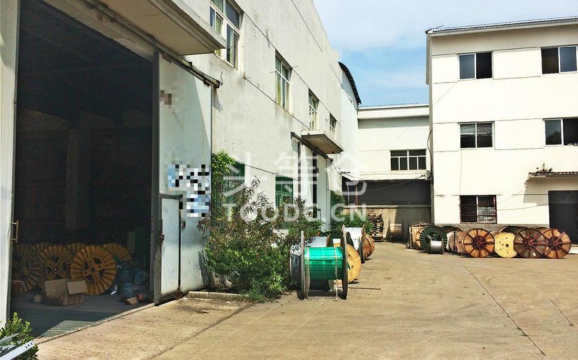 嘉定华亭单层厂房出租 层高12米 独门独院 104地块 有产证 可托管