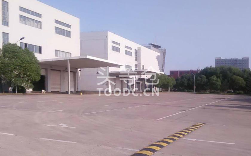 青浦工业园底楼仓库出租 租期灵活 层高5.6米 原房东 104地块 有产证 可托管 适合仓储加工等